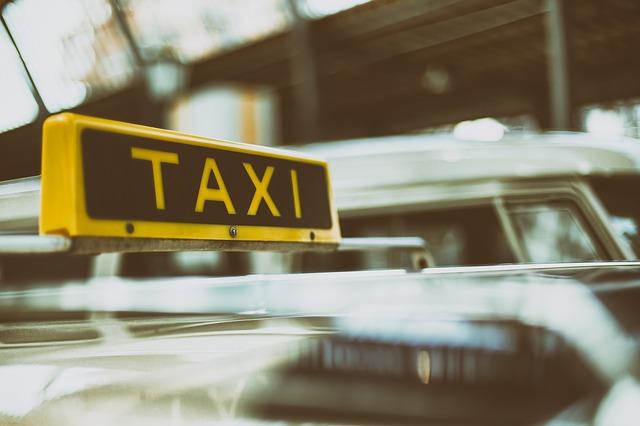 5 avantages d'utiliser un service de taxi